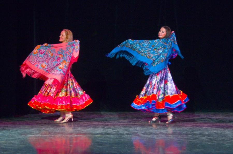Преподаватели цыганского танца